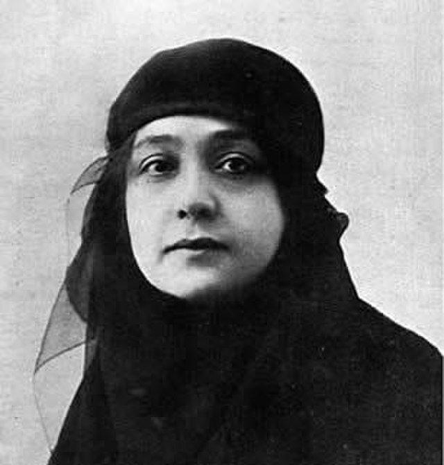 Inspiring Woman of History Huda Sha'arawi.